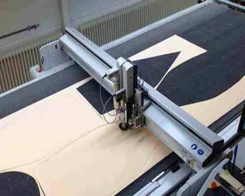 CNC Cutter und digitale Kissen Herstellung