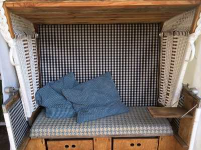Sessel Sofa klassische Polsterarbeit Handwerk Srandkorb